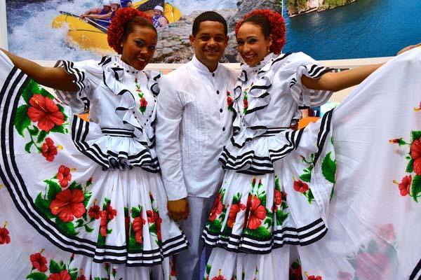 Traje Típico En Las Regiones De La República Dominicana