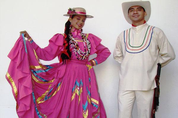 Traje típico de Honduras, hombre y mujer