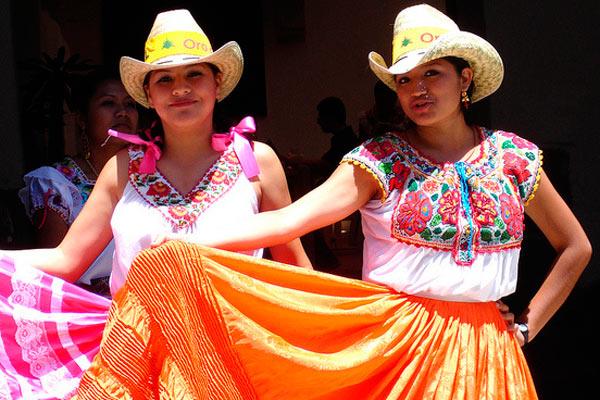 59048738ec Traje típico y tradicional en México