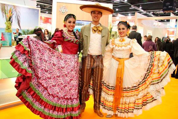 Traje Típico Y Tradicional En México