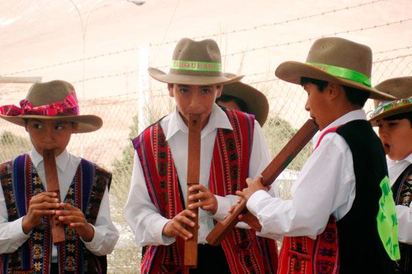 Traje típico de Paraguay, hombre y mujer