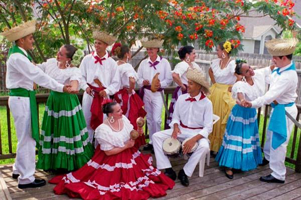 Trajes regionales. 498-trajes-tipicos-puerto-rico