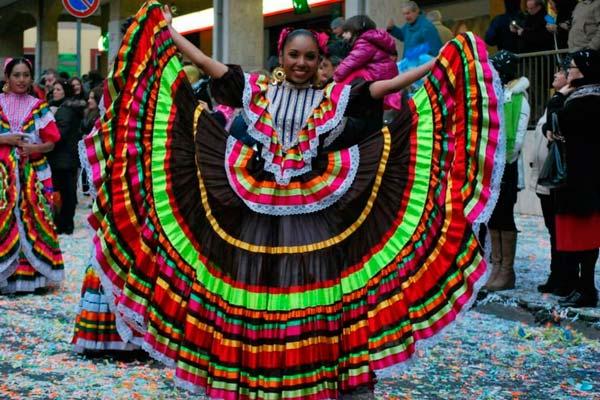 Resultado de imagen de Los trajes típicos más bonitos de México jalisco