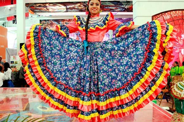Traje Típico De Nayarit México